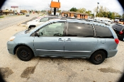 2006 Toyota Sienna LE Blue used Mini Van sale by Turcios Auto Sales Waukegan Illinois