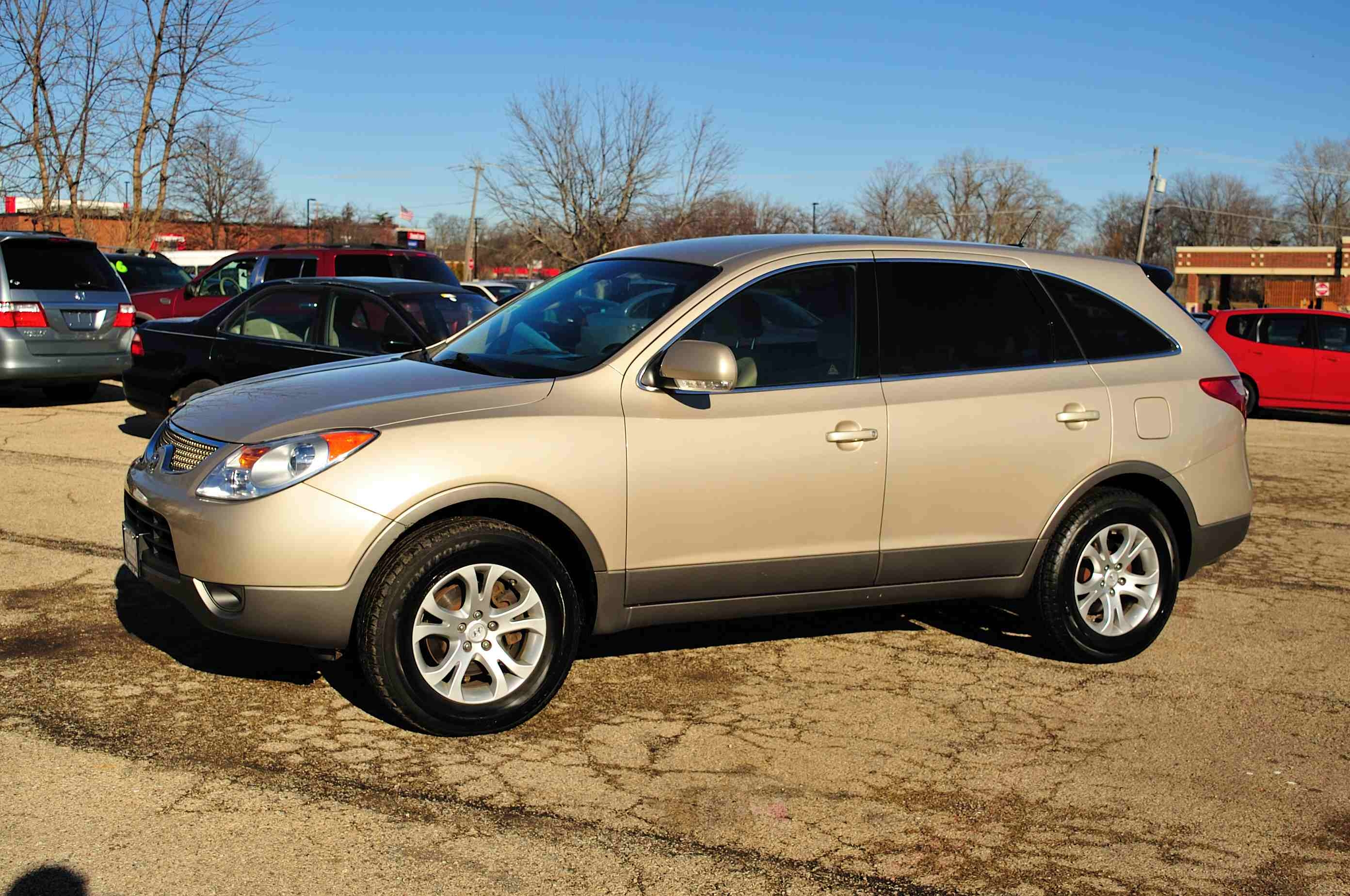 2008 Hyundai Veracruz Sand Minivan Used Car Sale Antioch Zion Waukegan Lake County Illinois