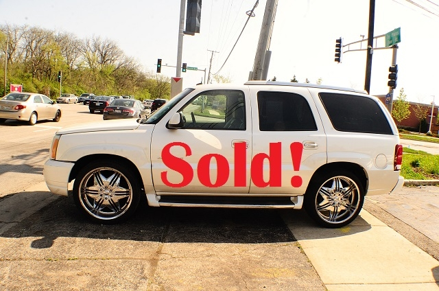 2003 Cadillac Escalade White TV Used SUV car sale Addison Algonquin Arlington Heights Bartlett