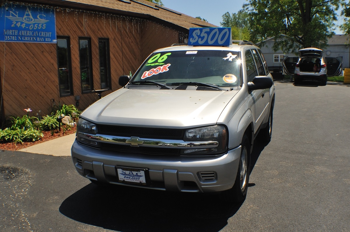 2006 Chevrolet Trailblazer LS Silver Used SUV 4x4 Sale Gurnee Kenosha Mchenry Chicago Illinois