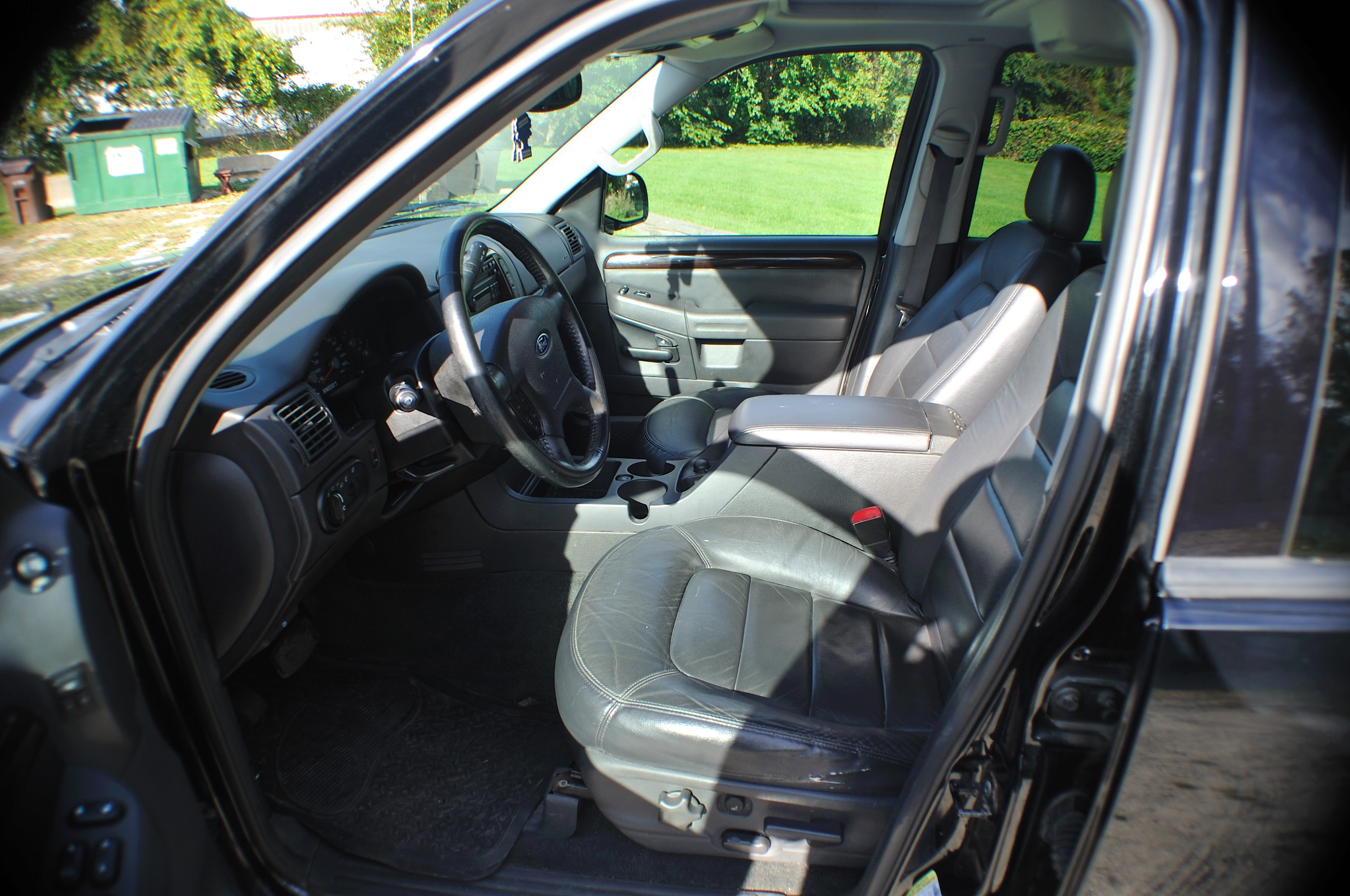 2004 Ford Explorer XLT Black Limited Used SUV 4x4 Sale Highland Park Kildeer Winthrop Harbor