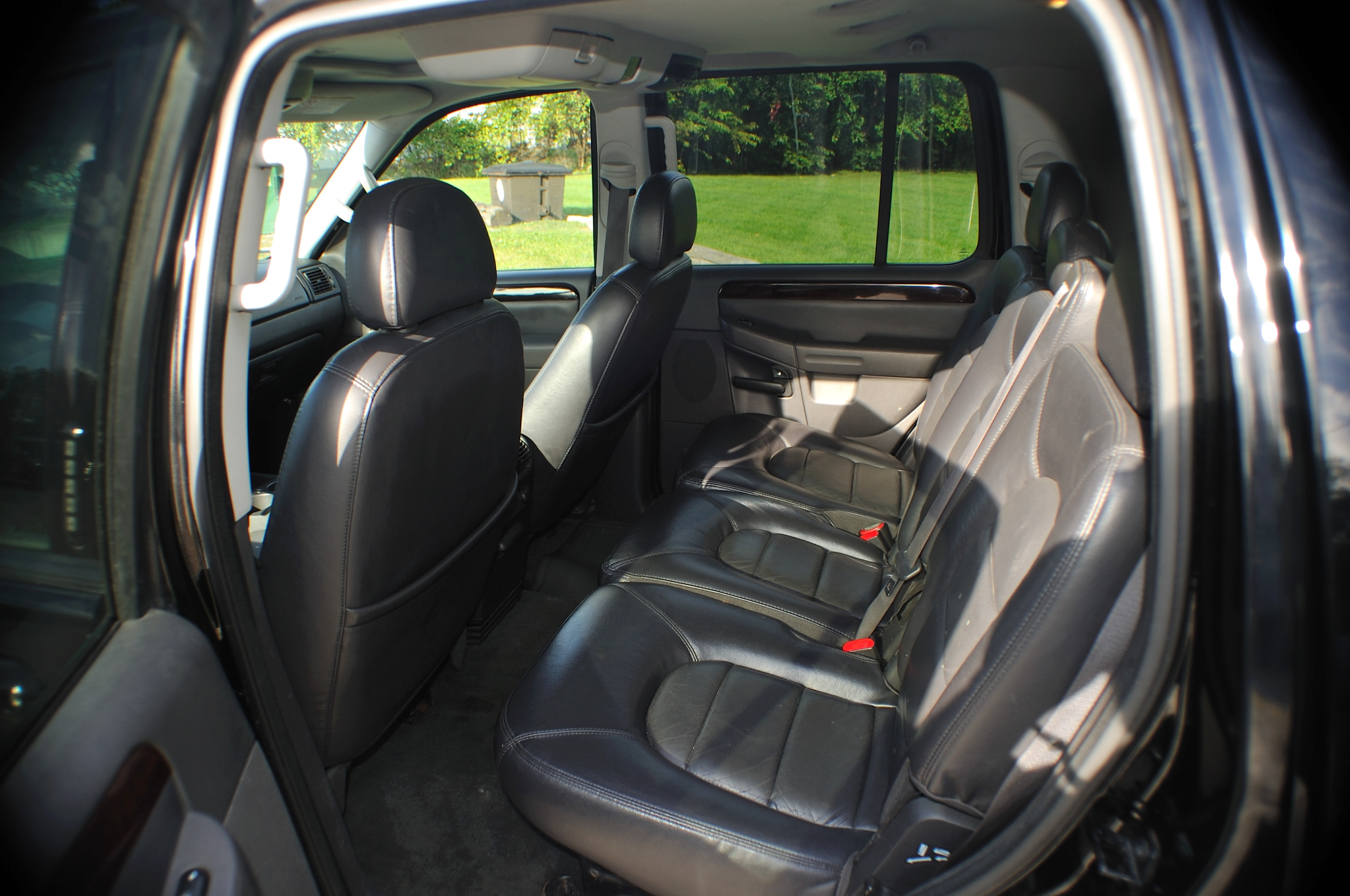 2004 Ford Explorer XLT Black Limited Used SUV 4x4 Sale Lake Villa Lake Zurich Lakemoor