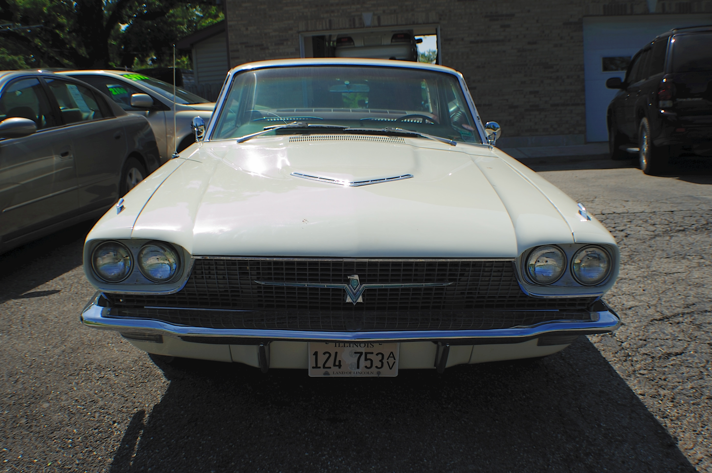 1966 Ford Thunderbird White Classic Sport Coupe used Car Sale Lindenhurst Gurnee