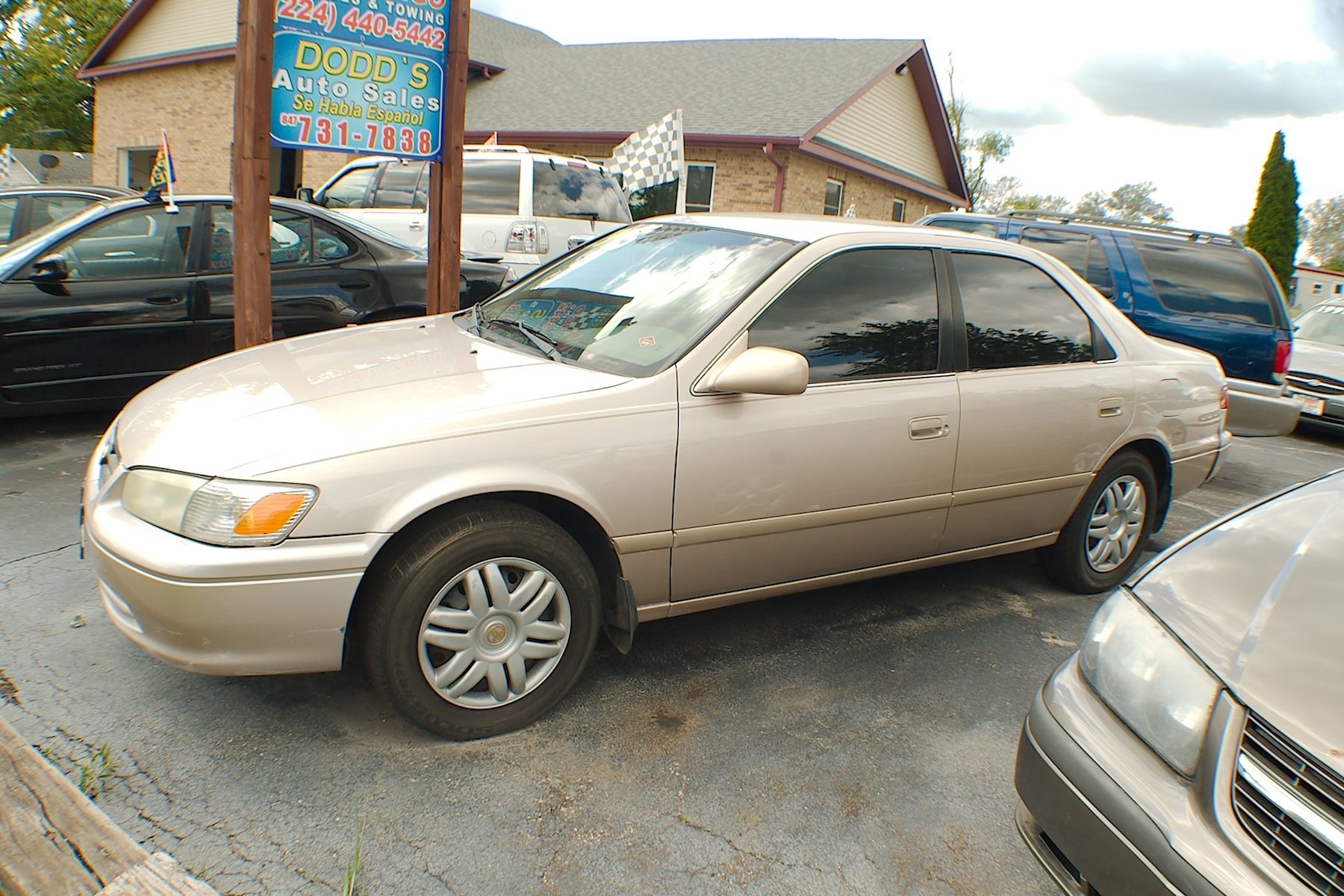 2001 Toyota Camry LE Sand Sedan Used Car Sale Antioch Zion Waukegan Lake County Illinois