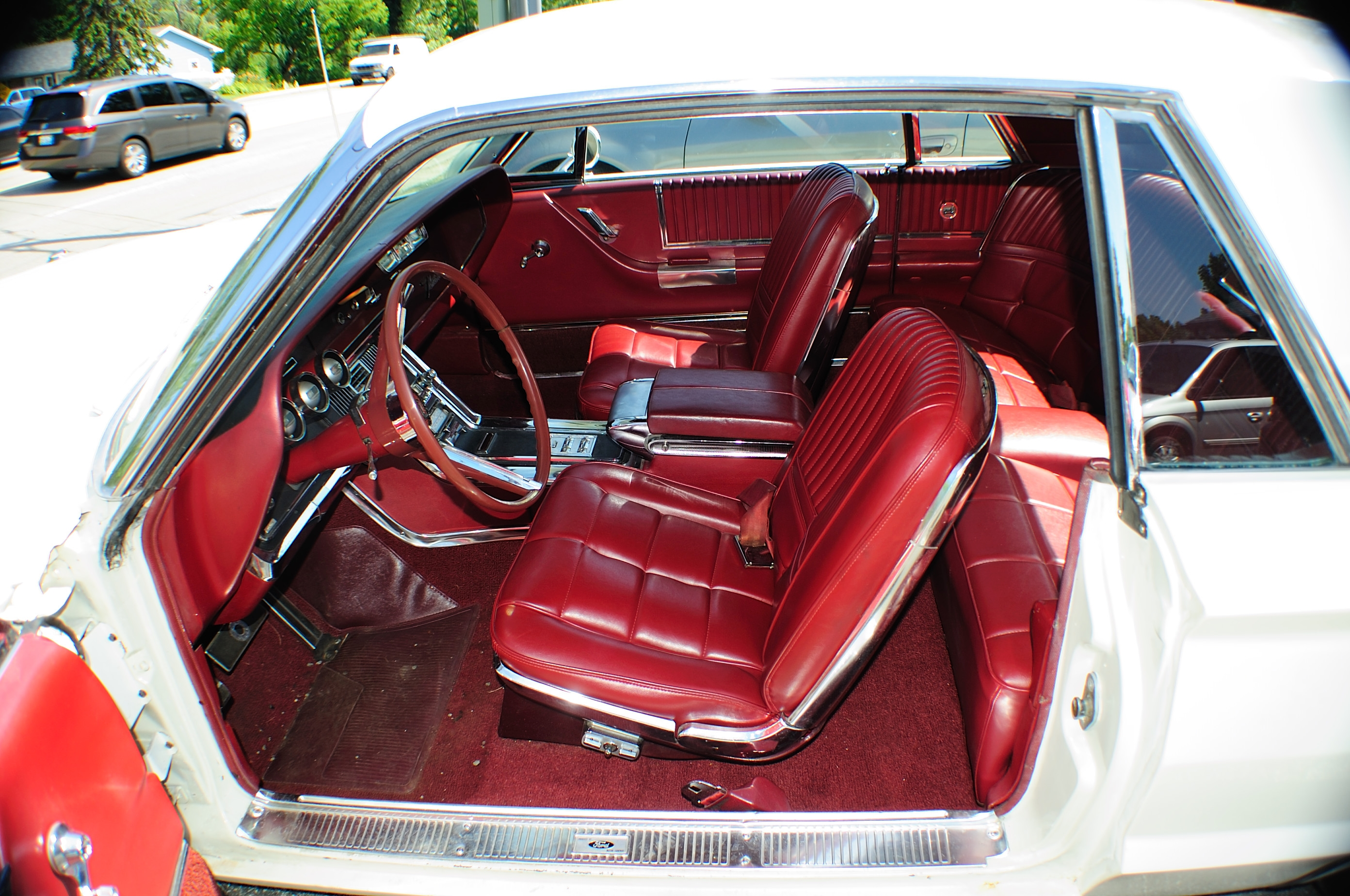 1966 Ford Thunderbird White Classic Sport Coupe used Car Sale Pleasant Prairie Winthrop Harbor