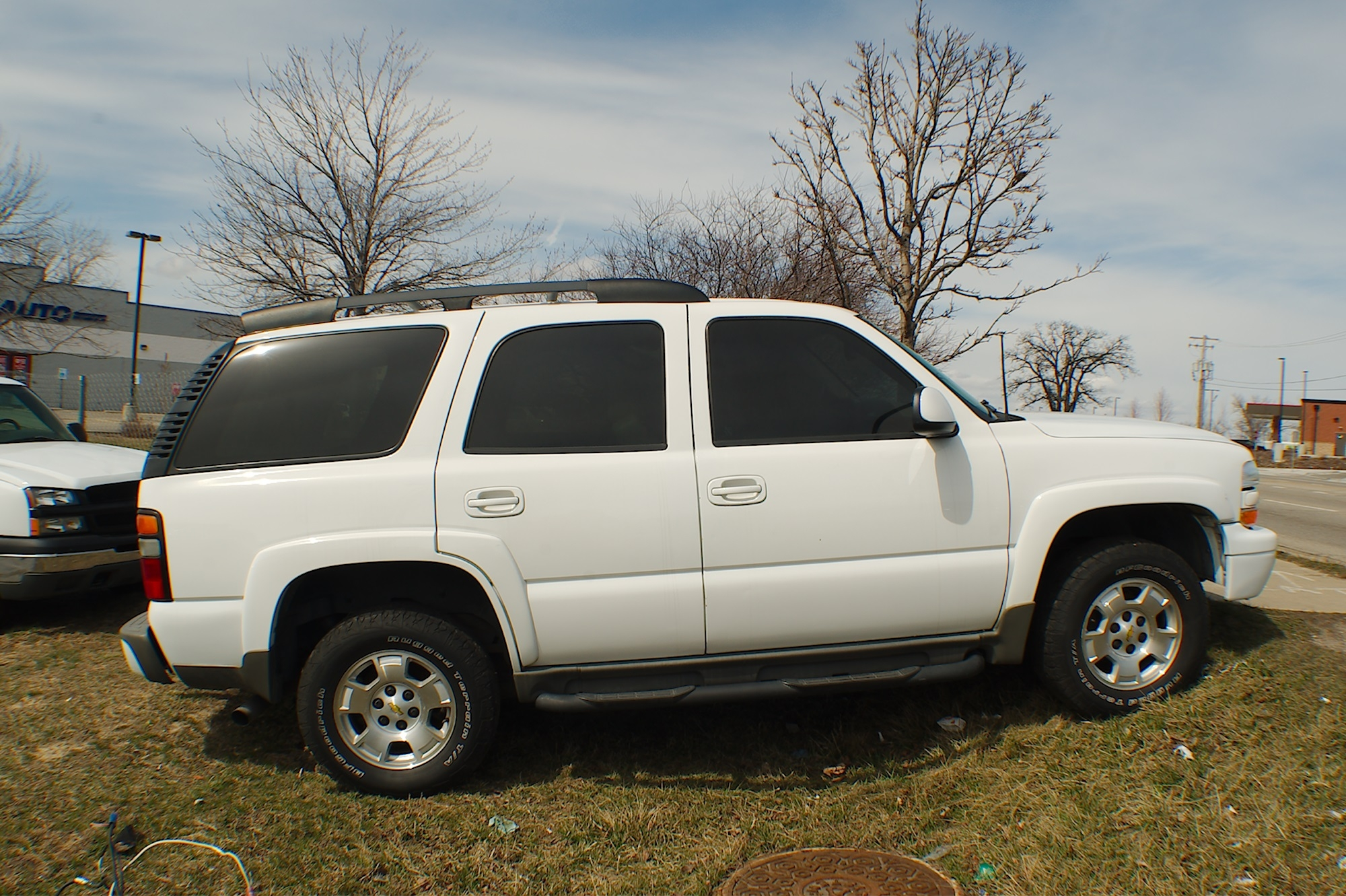 2004 Chevrolet Tahoe Z71 White 4x4 SUV Sale Antioch Zion Waukegan Lake County Illinois