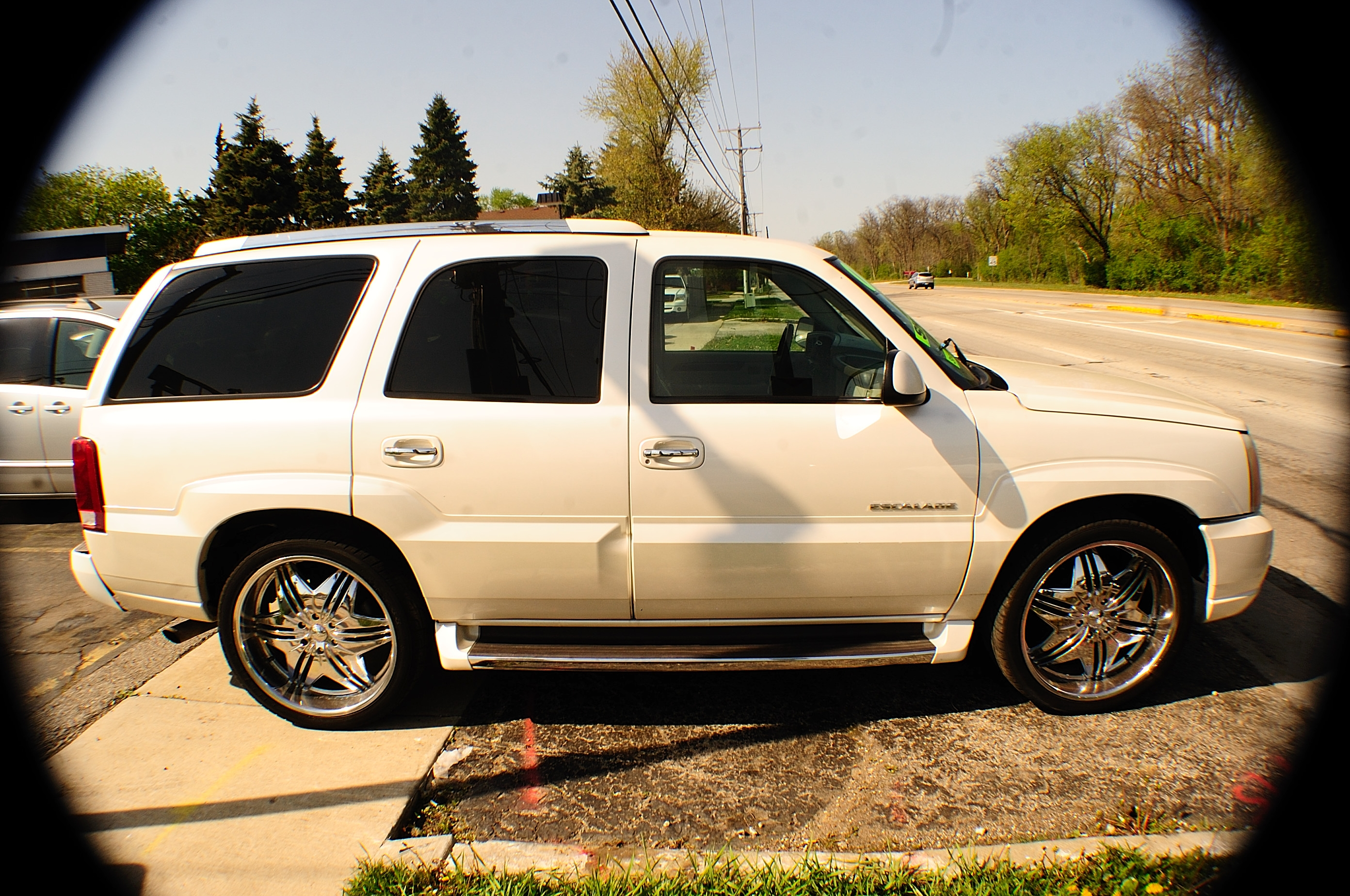 2003 Cadillac Escalade White TV Used SUV car sale Downers Grove Carpentersville Cicero