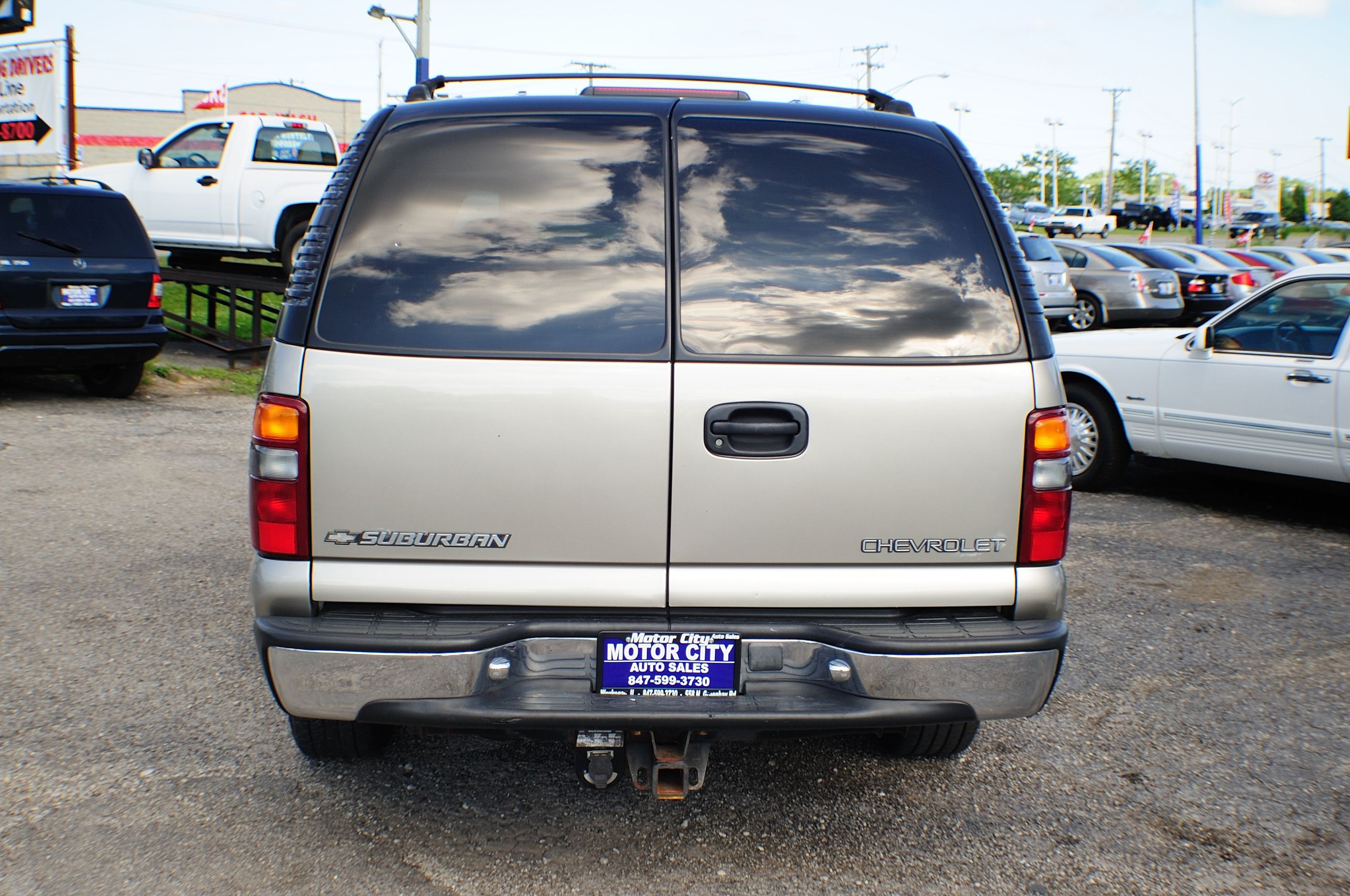 2001 Chevrolet Suburban LS Pewter 4x4 Tow SUV Used Car Sale Waukegan Kenosha