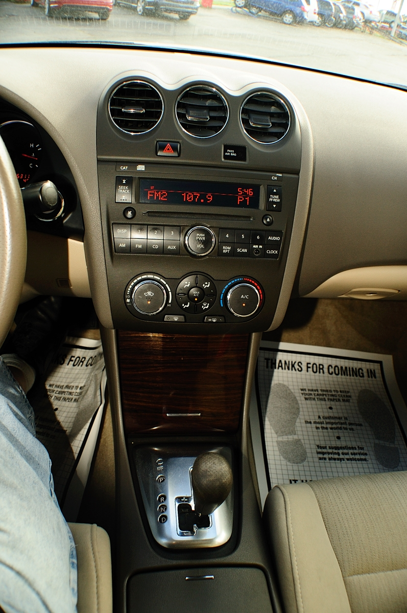 2010 Nissan Altima SR White Sport Sedan Sale Long Grove Mettawa Mundelein Wheeling