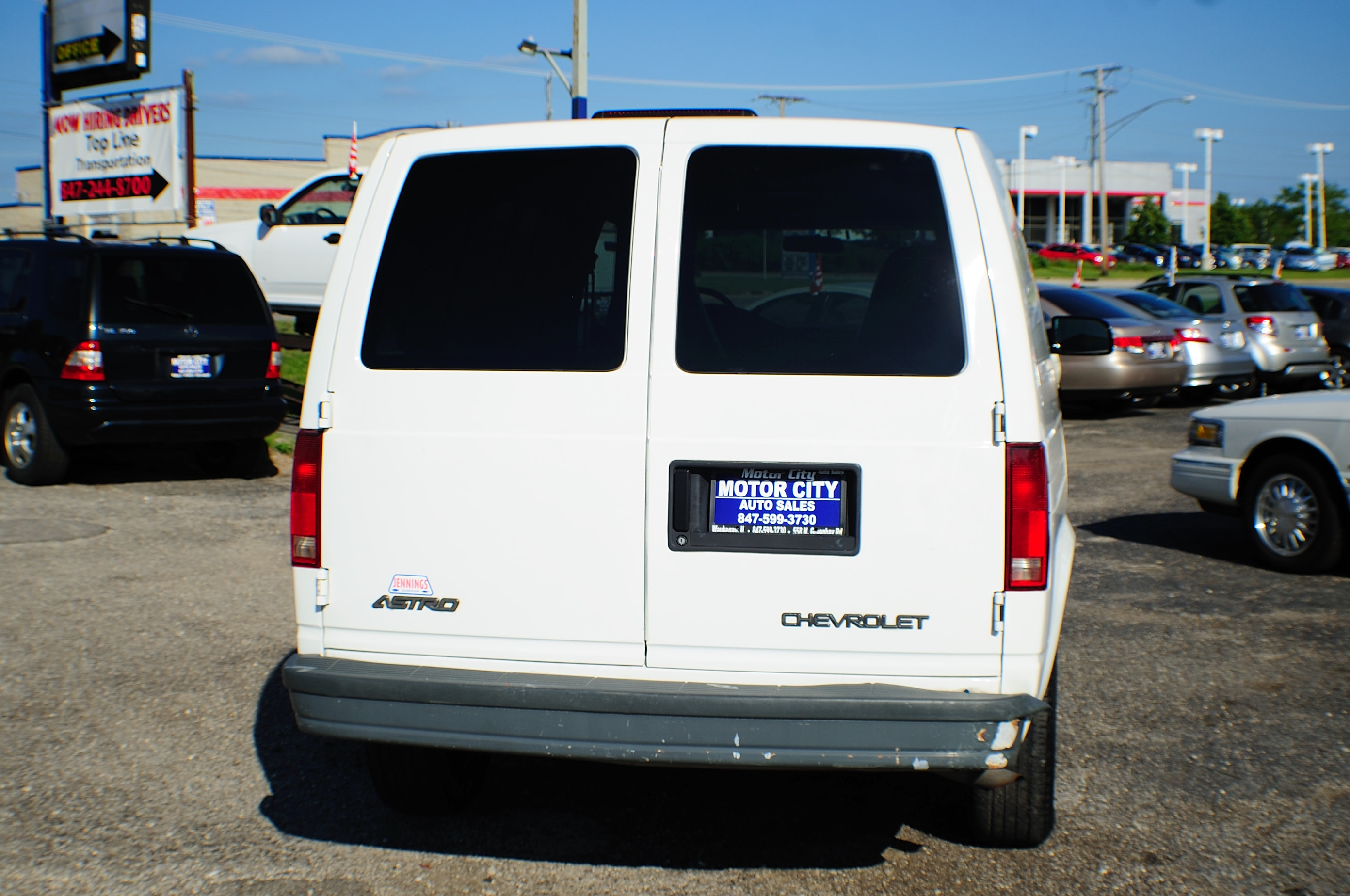 2005 Chevrolet Astro White Used Commercial Work Van Sale Waukegan Kenosha