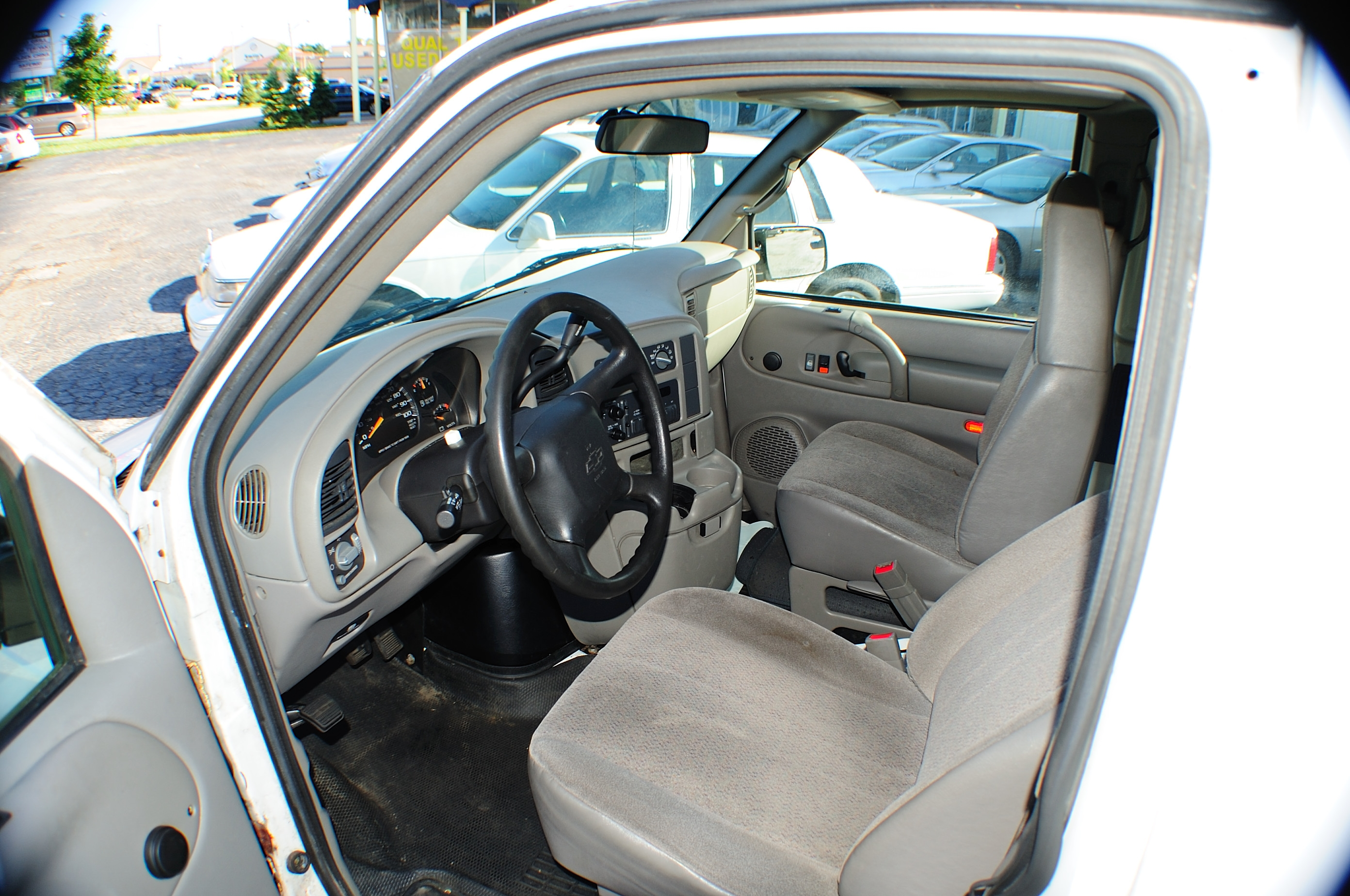 2005 Chevrolet Astro White Used Commercial Work Van Sale Mchenry Wadsworth