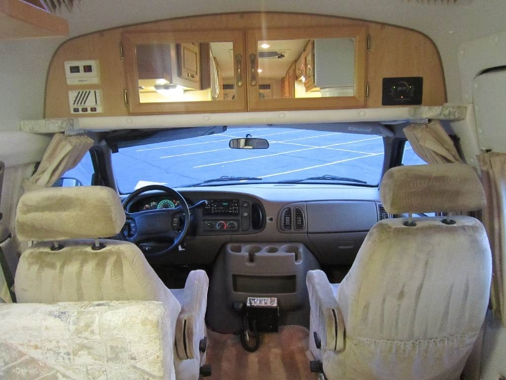 2004 Explorer Motor Homes 230XLW Dodge Used RV Sale Libertyville Lincolnshire Lindenhurst