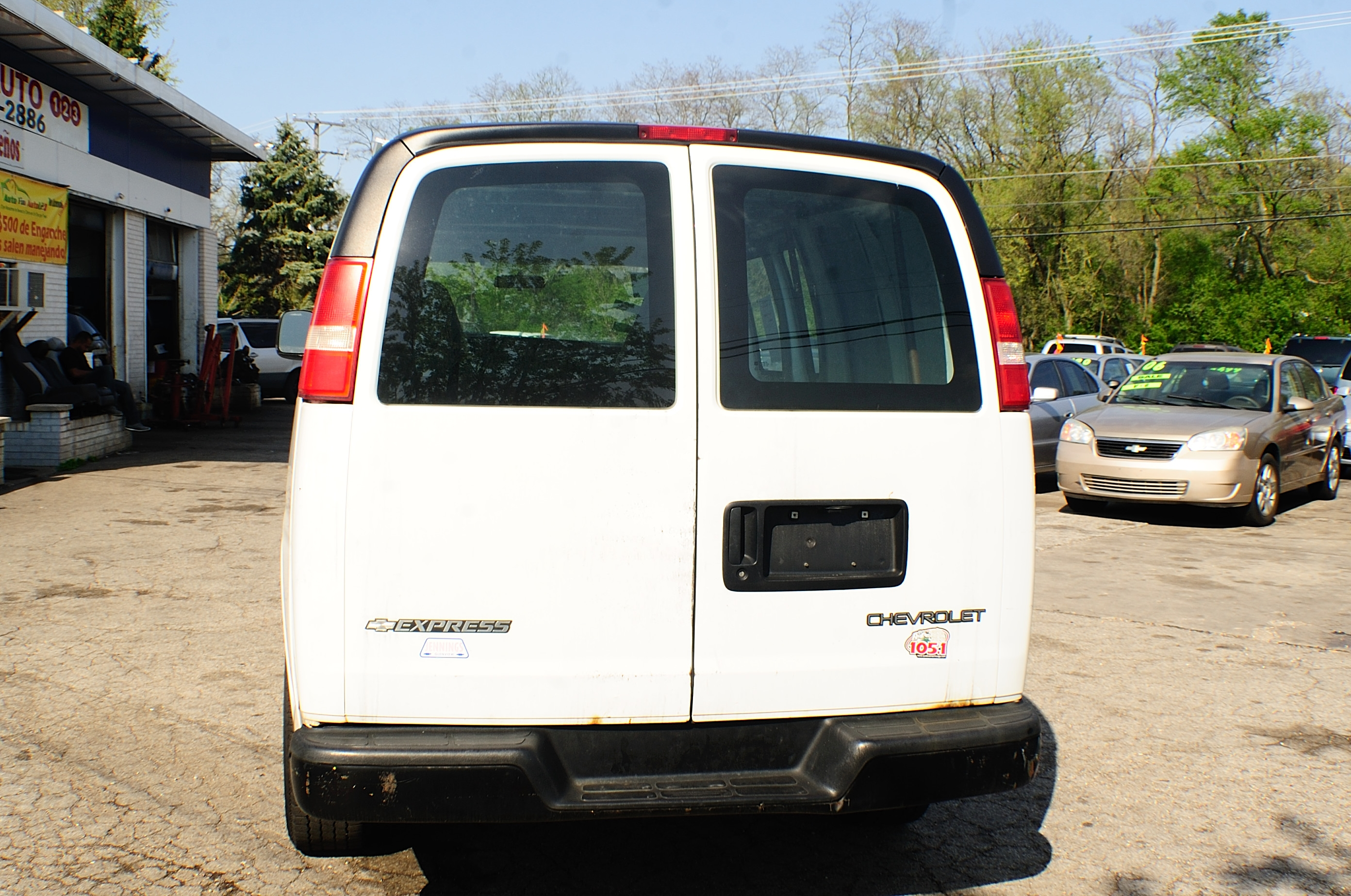 2006 Chevrolet Express 2500 White Used Work Van sale Gurnee Hanover Park Hoffman Estates Lombard