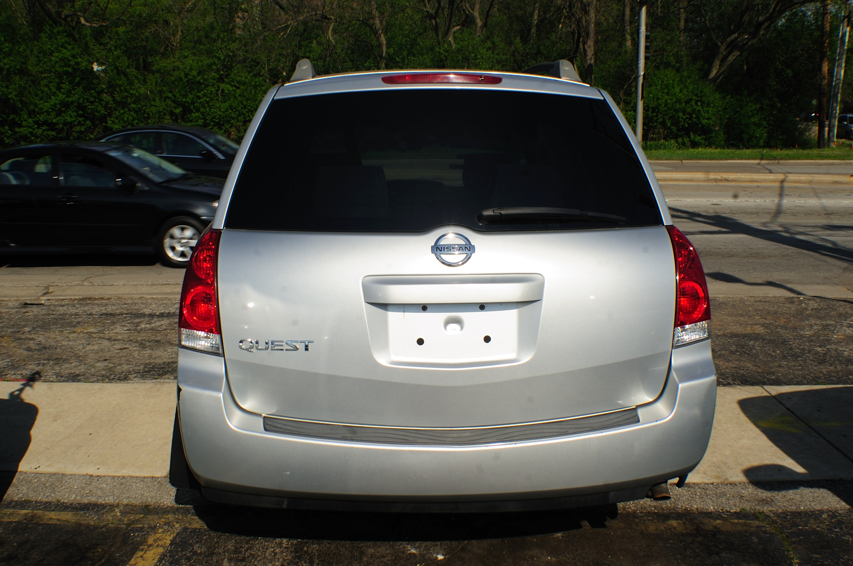 2006 Nissan Quest Silver Used Mini Van used car sale Gurnee Hanover Park Hoffman Estates Lombard