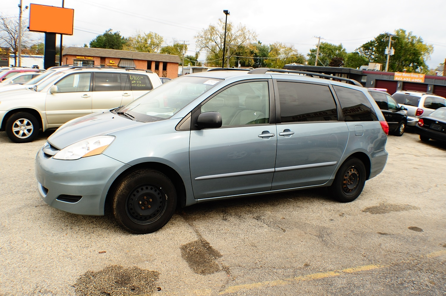 2006 Toyota Sienna LE Blue used Mini Van sale Antioch Zion Waukegan Lake County Illinois
