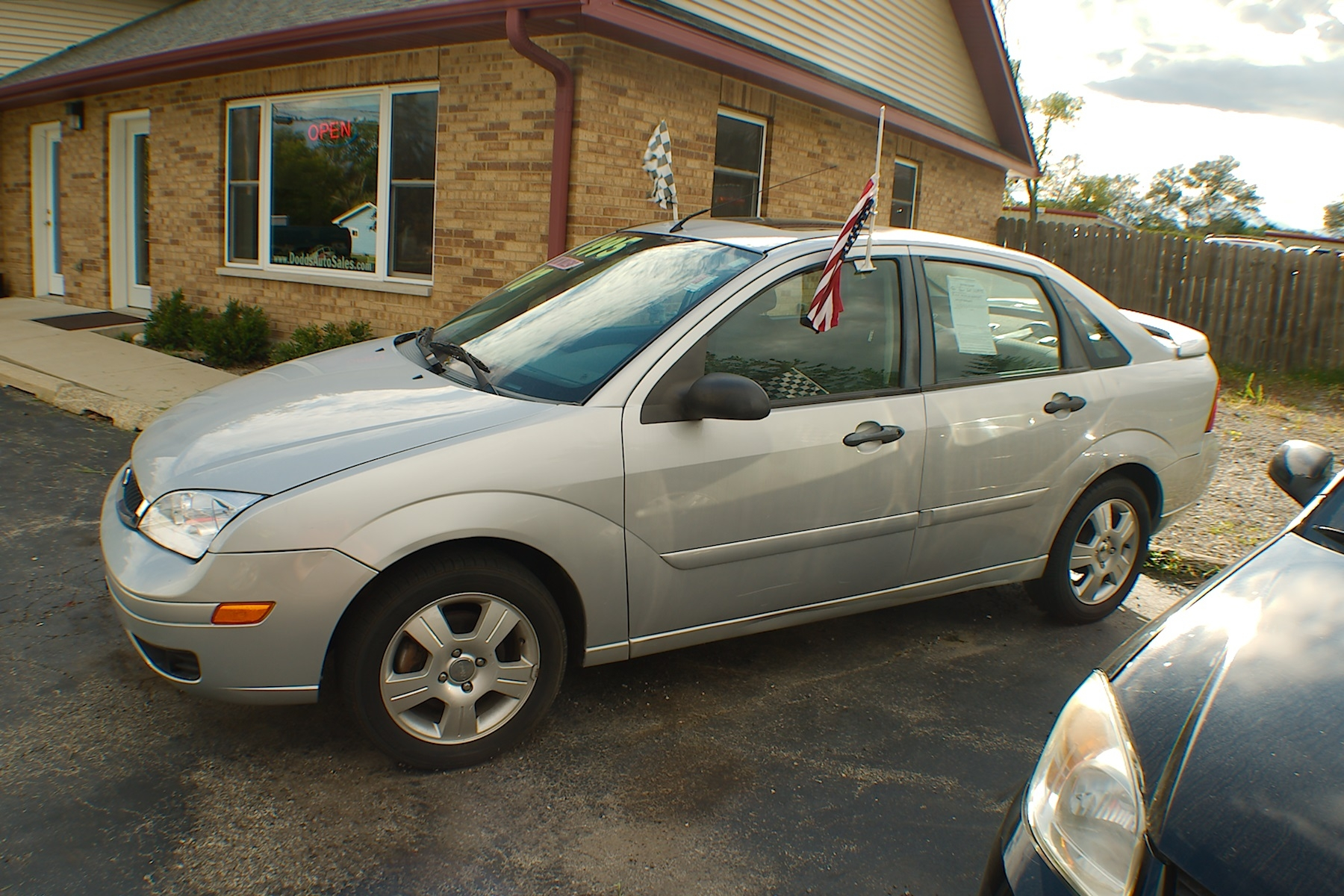 2007 Ford Focus SES Silver Sedan Used Car Sale Antioch Zion Waukegan Lake County Illinois