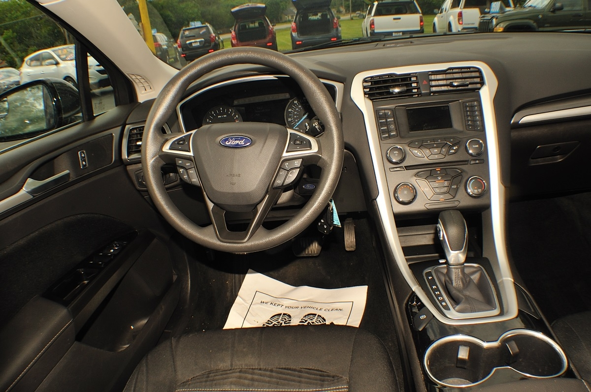 2016 Ford Fusion SE Gray Used Sedan Sale Green Oaks Hainesville Hawthorne Woods