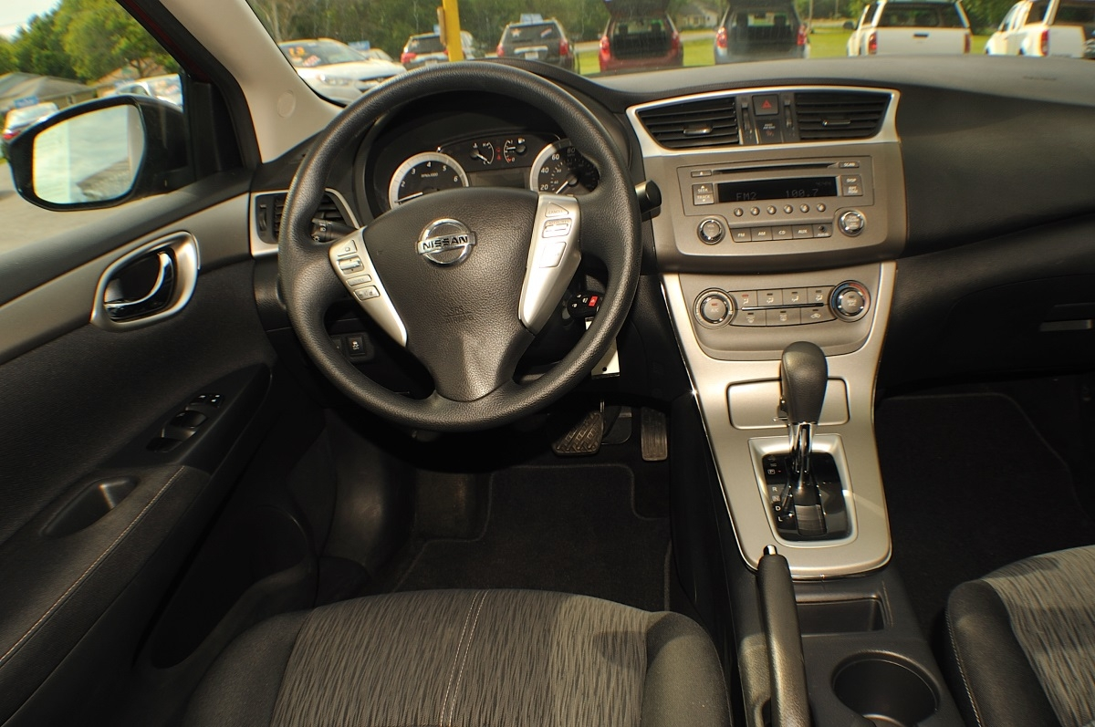 2014 Nissan Sentra SV Red Sedan used car sale Green Oaks Hainesville Hawthorne Woods
