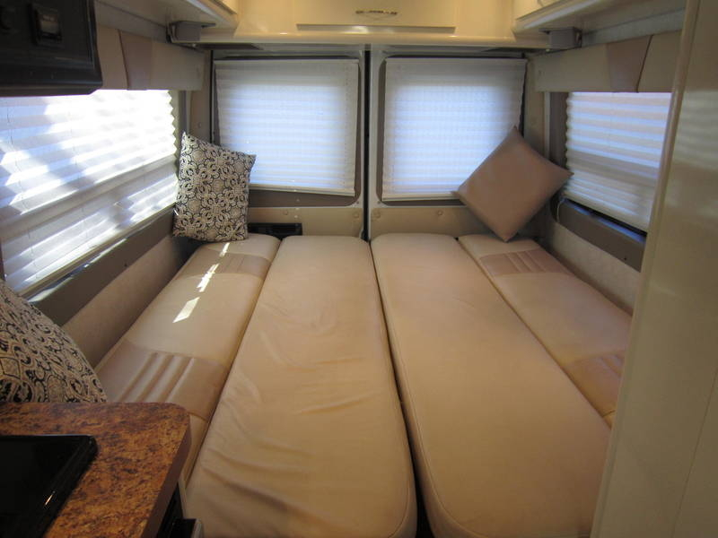 2005 Gulf Stream Coach Vista Cruiser MB Edition Diesel used RV sale sleeper camper
