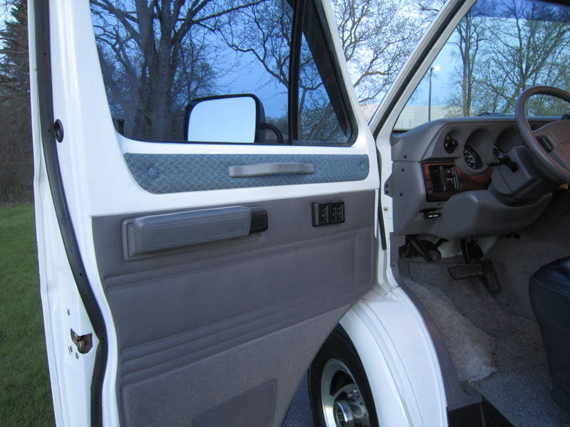 1997 Dodge Sportsmobile White EB Hardtop used RV Sale Lake Villa Lake Zurich Lakemoor