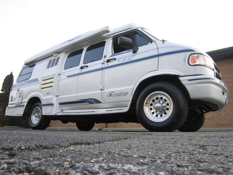 1996 Leisure Travel Freedom ll Wide Body Dodge used RV Sale Barrington North Chicago Old Mill Creek
