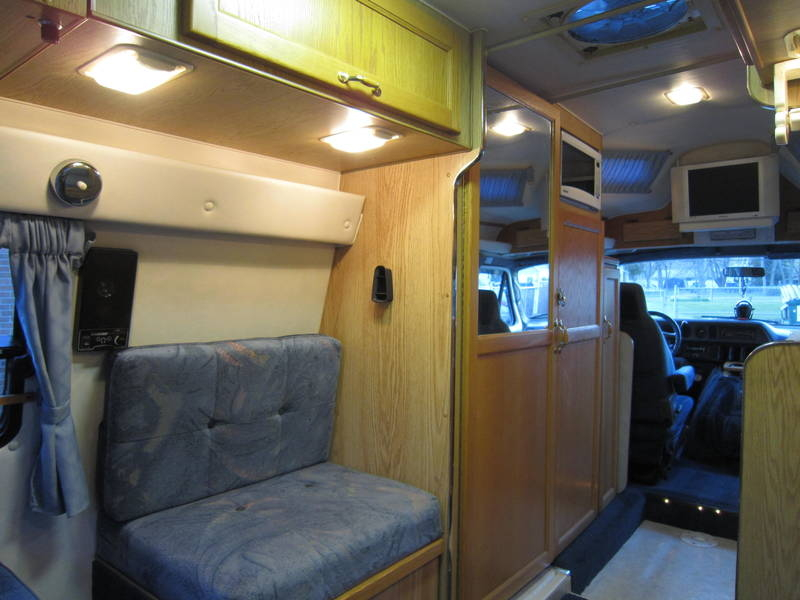 1996 Leisure Travel Freedom ll Wide Body Dodge used RV Sale Nebraska
