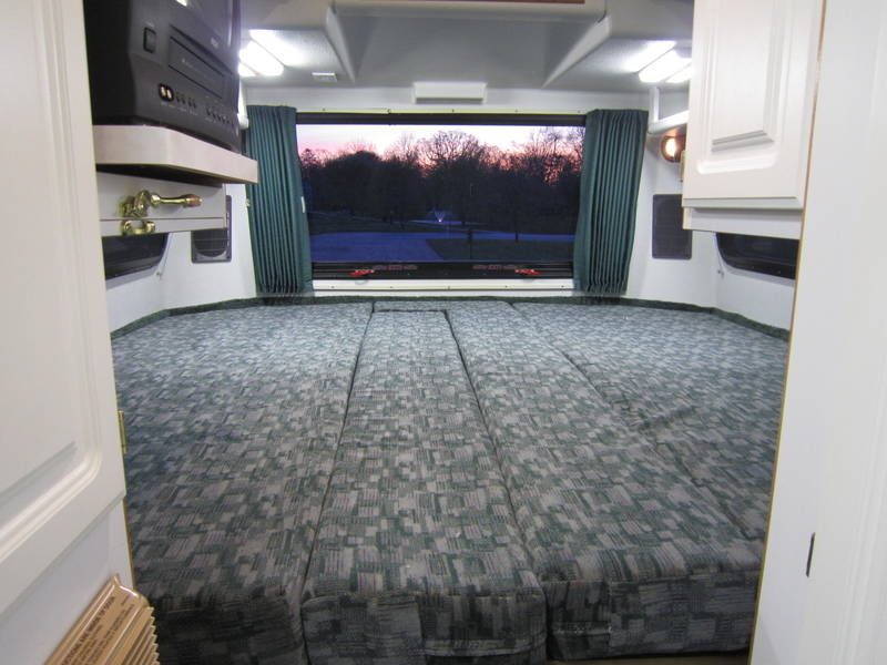 1999 Explorer Motor Homes 230XL Wide Body Dodge RV sale Green Oaks Hainesville Hawthorne Woods
