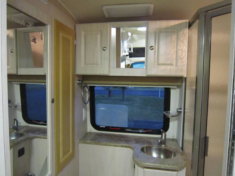 2008 Ford Coach House Platinum XL 221 XD Used RV sale campers online
