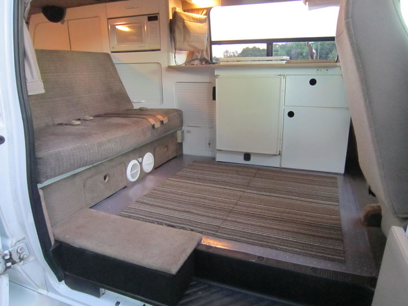 2001 Ford E250 GTRV Westy RB50 Pop Top used RV sale Barrington North Chicago Old Mill Creek